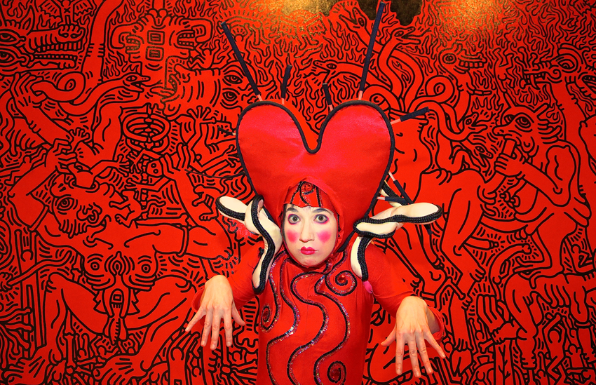 Keith Haring characters comes to life - Heartache in Hell