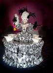 Strolling Table: Black & White Marie Antoinette