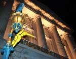 Acrobat at San Francisco City Hall