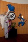 Blu stilts & Blu jump