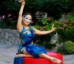 Blu hand dancer
