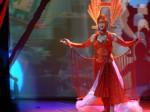 GG Bridges on Stage Singing / Performing