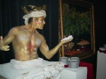 Living statue body painting