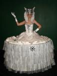 Strolling Table: White Goddess