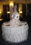 Strolling Table: Queen Elizabeth