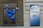 Blu acrobat at SUITE world evening in San Francisco city hall