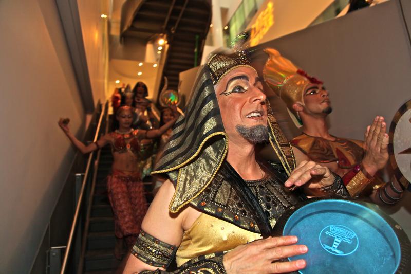 Drumming - Pharaoh's Barge